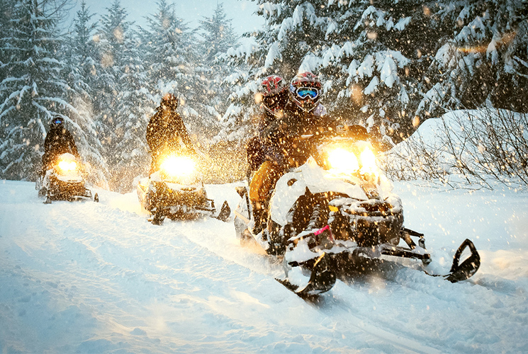 Our best snowmobile expeditions
